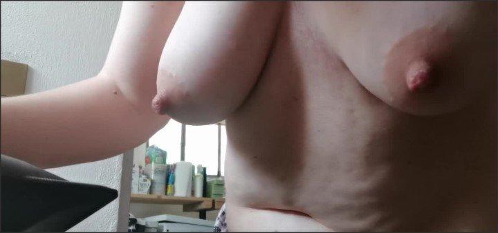 [HD] Spia La Tua Matrigna Sexy Mentre Si Asciuga I Suo Lunghi Capelli Rossi - Nicolettaembassi - - 00:12:21 | Haircut, Milf, Italian Spy Cam - 161,3 MB