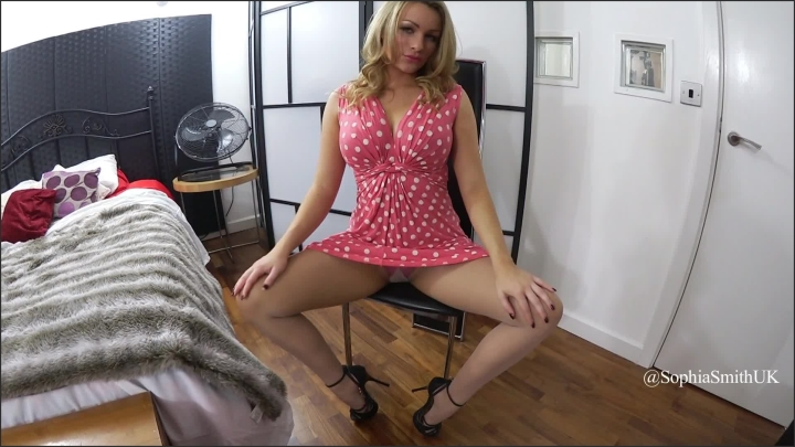 penny-smith-upskirt-video