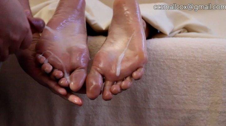 Stickysoles Milf Gets Sticky While Her Husband Runs