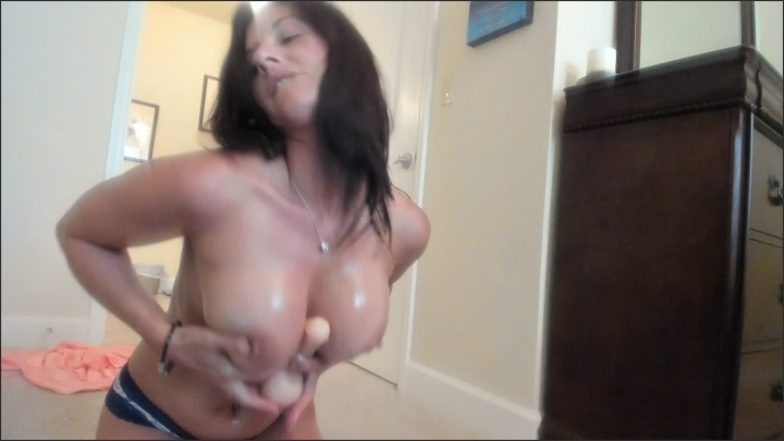 Sweetkiss 69 Oiled Up Titty Fuck