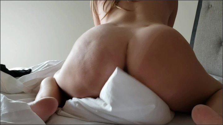 [Full HD] Big Booty Hoe Humps Pillow Loud Orgasm Pillow Fuck - TheXOXOhoe - - 00:09:59 | Amateur, Pillow Fuck, Pillow Humping - 458,3 MB