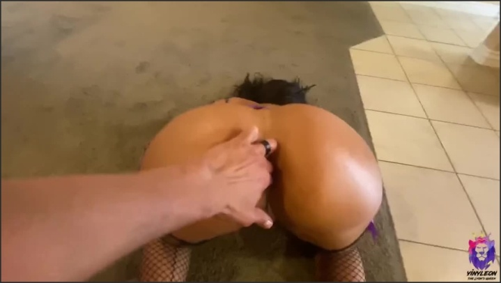 Young Big Ass Milf Has A Special Talent To Get Fucked